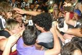 Torcida do Galo lota aeroporto e faz festa com a chegada dos campeões