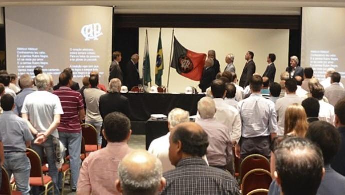Reunião do Conselho do Atlético-PR em 17 de março (Foto: Site oficial do Atlético-PR/Divulgação)