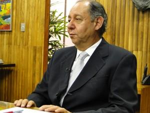 Reitor Clélio Campolina explicou como funcionará o processo seletivo. (Foto: Humberto Trajano/G1)