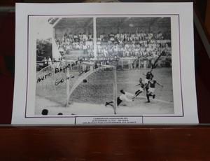 Jogo entre Auto Esporte X CSA em 1953 (Foto: Denison Roma)