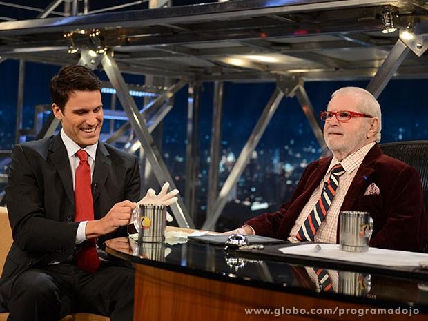 Guilherme Jacques participa do Programa do Jô desta quarta-feira (Foto: TV Globo/Programa do Jô)