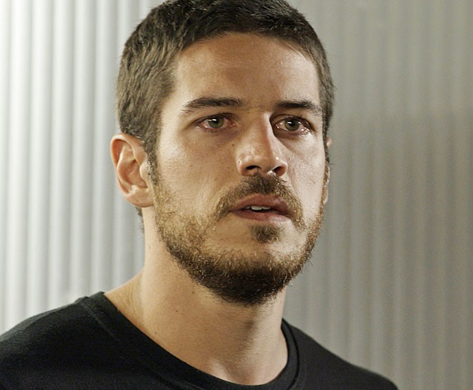 Dante descobre segredo de Romero (Foto: TV Globo)