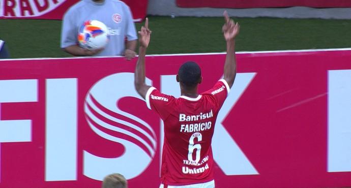 Fabrício Inter Ypiranga expulsão Campeonato Gaúcho (Foto: Reprodução/RBS TV)