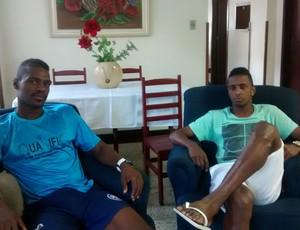 Thiagão e Rafael Laurenço se queixam da estrutura oferecida pelos dirigentes (Foto: Cristiane Mendes/GloboEsporte.com)