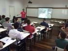Escola de negócios realiza workshop gratuito para jovens executivos