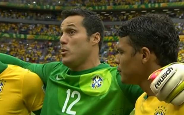 Julio César se emociona com hino brasileiro - 1 (Foto: Reprodução SporTV)
