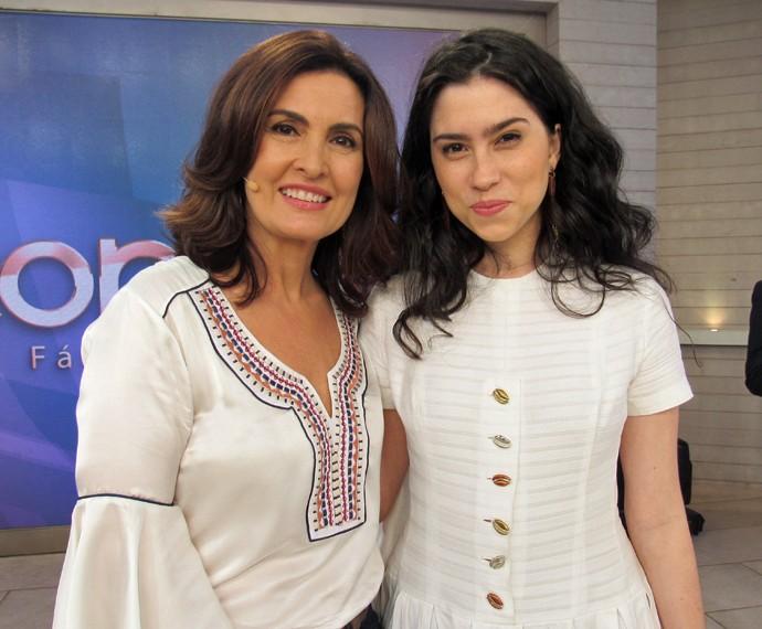Olívia Torres tira foto ao lado de Fátima (Foto: Priscilla Massena/Gshow)