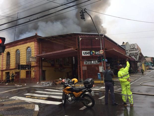 be70d9b3e87 G1 - Incêndio em loja e temporal provocam reflexos no trânsito de ...