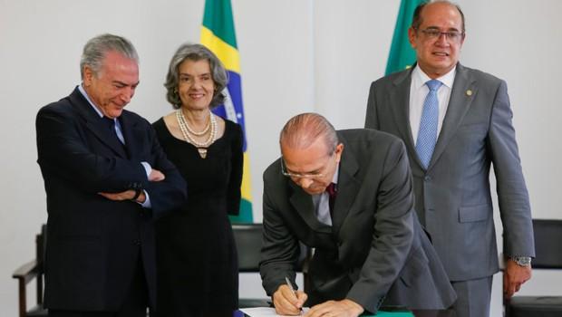 Michel Temer, Cármen Lúcia, Eliseu Padilha e Gilmar Mendes na cerimônia de Assinatura de Acordo de Cooperação Técnica  (Foto: Beto Barata/PR)