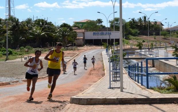 corrida da fogueira, patos (Foto: Divulgação)