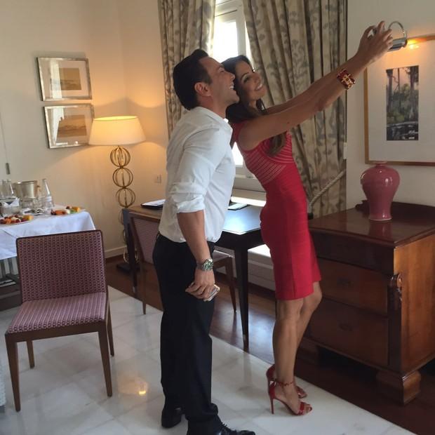 Patricia Poeta faz selfie com nosso Mister V (Foto: Bebel Sader)