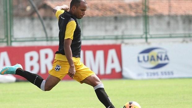Eric retorna ao time para patrida de volta contra o ASA (Foto: Divulgação / CearáSC.com)
