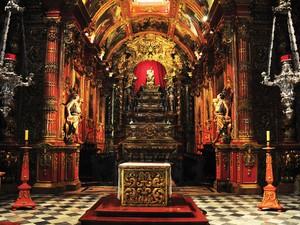 MOSTEIRO DE SÃO BENTO - Fundado em 1590 por monges vindos da Bahia, o mosteiro foi construído a pedido dos próprios habitantes da então recém fundada cidade de São Sebastião. (Foto: Alexandre Macieira/Riotur)