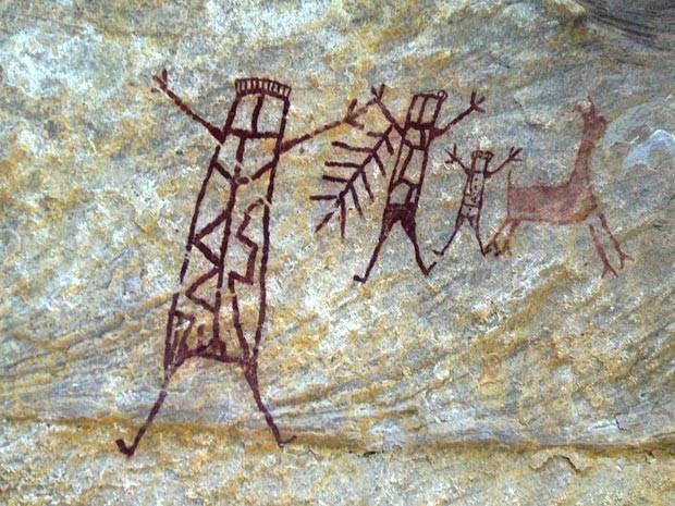Foto mostra pinturas rupestres da caverna da Serra da Capivara, no Piauí.  (Foto: AFP Photo/Joaquim Neto - FUMDHAM)