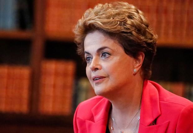 A presidente afastada Dilma Rousseff conversa com jornalista do El Pais (Foto: Roberto Stuckert Filho/PR)