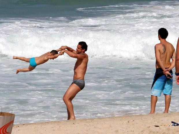Fred e sobrinho  (Foto: Wallace Barbosa/AgNews)