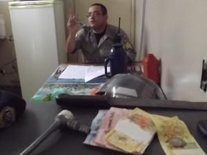 Homem rouba e ao fugir a pé, perde as calças no caminho, em Caldas Novas, Goiás (Foto: Divulgação / Polícia Militar)