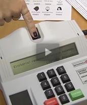 Vídeo mostra como é o voto  biométrico (Reprodução/G1)