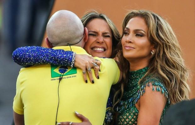 O trio da abertura - Pitbull, Claudia Leitte e seus anéis e J-Lo (Foto: Claudia Leitte)