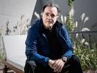'Faço o que me toca a emoção', diz Tony Ramos ao comemorar aniversário gravando