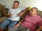 'Temos que viajar segurando a porta da ambulância', diz paciente