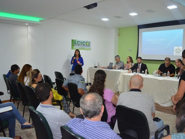 Na reunião foram apontadas as principais dificuldades e definidas algumas medidas que serão tomadas por cada setor (Foto: Rogério Aderbal/G1)