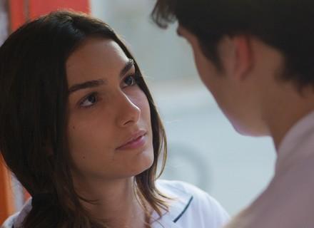 Luciana fala para Rodrigo que gosta de outra pessoa