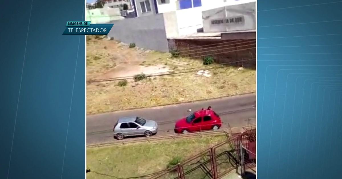 G1 - Moradores filmam roubo de carro à luz do dia em Samambaia 62504f638ed71