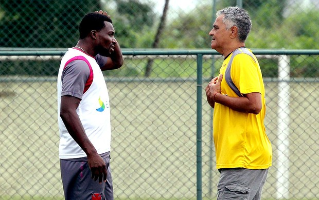 Gaúcho e Tenório no treino do Vasco (Foto: Cezar Loureiro / Agência O Globo)
