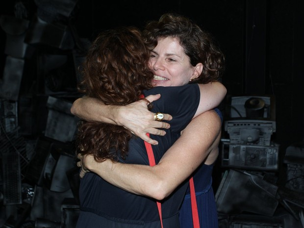 Débora Lamn e Debora Bloch em peça na Zona Sul do Rio (Foto: Marcello Sá Barretto/ Ag. News)