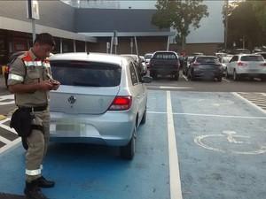 Operação de rotina é realizada em estacionamentos de Shoppings da capital (Foto: Divulgação/Manaustrans)