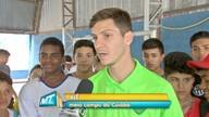 Estudantes de escola estadual recebem visita de jogadores do Cuiabá