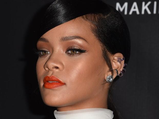 Rihanna em evento em Los Angeles, nos Estados Unidos (Foto: Robyn Beck/ AFP)