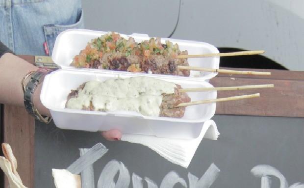'Food Truck - A Batalha' - Ep.06 - Receita kafta de carne no espeto (Amilcar de Azevedo) (Foto: Reproduo/GNT)