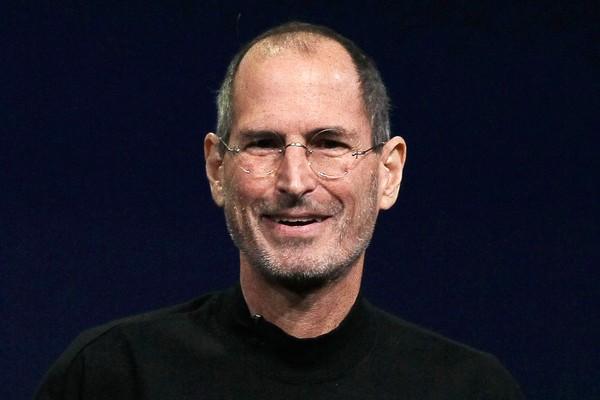 O gênio da Apple, Steve Jobs passava uma noite na casa de cada amigo e consegui dinheiro devolvendo garrafas de Coca-Cola retornáveis (Foto: Getty Images)