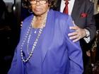 Juiz devolve guarda de filhos de Michael Jackson a avó