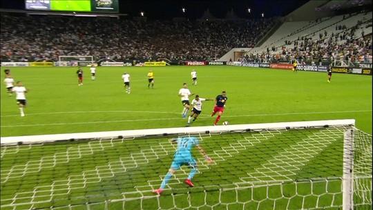 Palco da sorte: com gol pelo RB Brasil, Lazaroni se destaca outra vez na arena