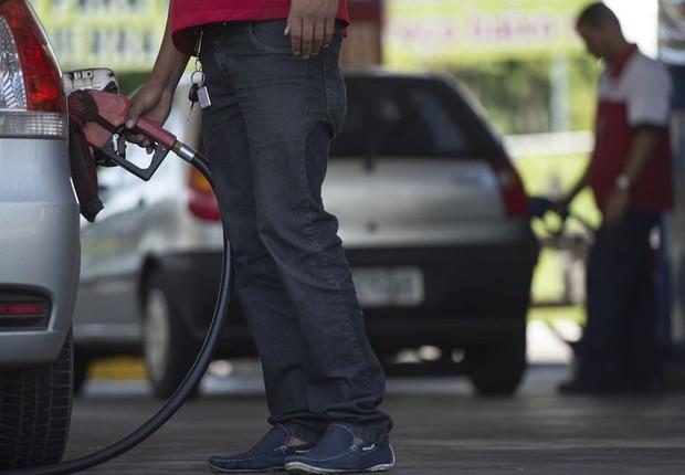 posto de gasolina, combustíveis, frentista (Foto: Marcelo Camargo/Agência Brasil)