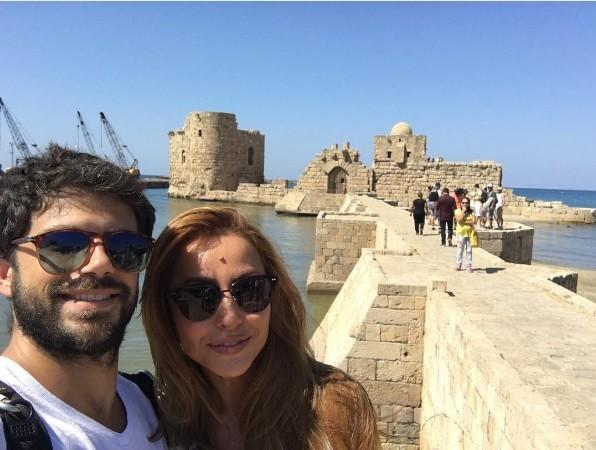 O casal num antigo porto fenício (Foto: Instagram)
