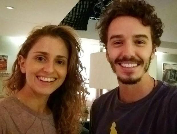 Carol Duarte e Gabriel Stauffer nos bastidores de A Força do Querer (Foto: Reprodução/Instagram)
