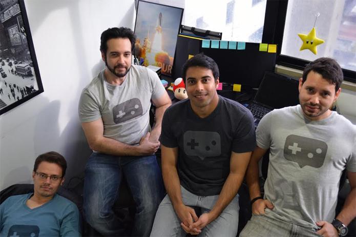 À esquerda: Rodolfo, Thiago, Bruno e Kim, a equipe do Alvanista (Foto: Divulgação)
