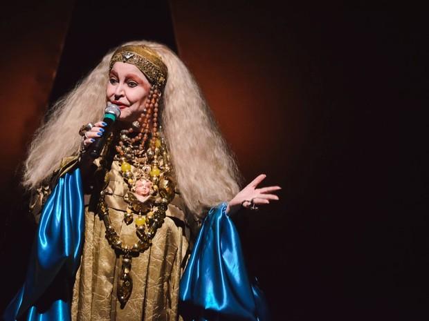 Elke Maravilha no espetáculo Elke canta e conta (foto de arquivo) (Foto: Facebook/ Reprodução)