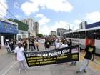 Policiais civis realizam passeata no Centro do Recife