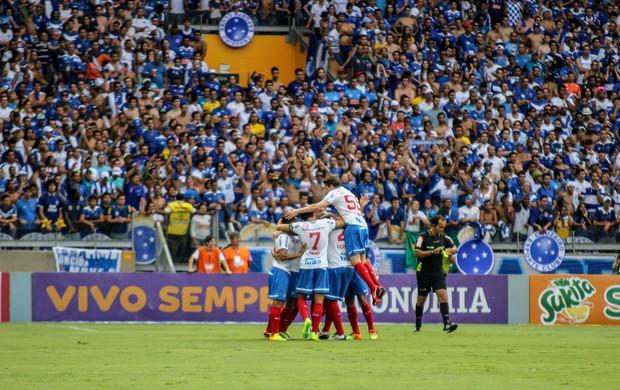 jogadores comemoração Bahia (Foto: Dudu Macedo / Agência Estado)