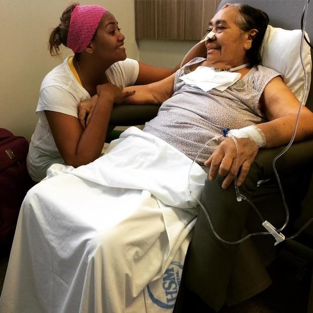 Gabi Amarantos e a mãe Elza dos Santos (Foto: Instagram / Reprodução)
