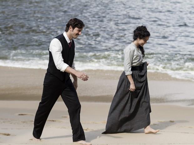 Vladimir Brichta e Alice Braga em 'Muitos homens num só' (Foto: Divulgação)