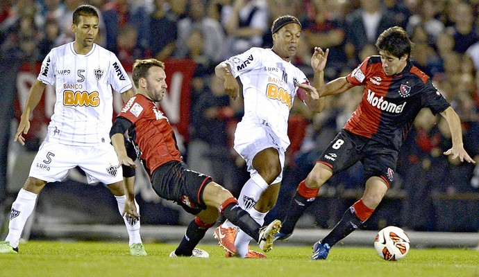 Ronaldinho Gaúcho jogo Newell's Old Boys contra Atlético-MG (Foto: AFP)