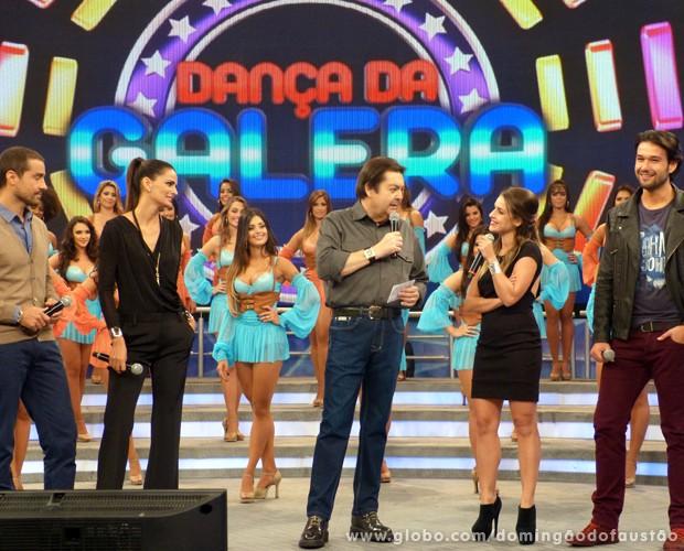 Ricardo Pereira, Fê Motta, Sérgio Marone e Monique Alfradique relembram momentos especiais do quadro (Foto: Domingão do Faustão / TV Globo)