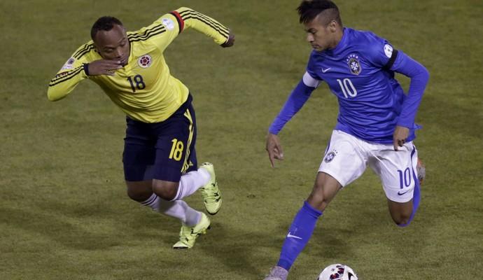 Neymar Zuñiga  Brasil x Colômbia Copa América (Foto: Reuters)