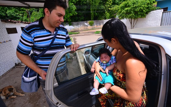 Paulo Sérgio dos Santos o Paulo Henrique e a esposa Dayse  (Foto:  )